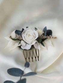 wedding photo - hair comb for bride in stabilized flowers and dried navy white and green