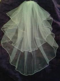 """wedding photo - Ivory elbow length wedding veil 25"""" / 30"""" with Swarovski Crystals Cut or pencil edged Full circle veil 2 tier. Other options FREE UK POSTAGE"""