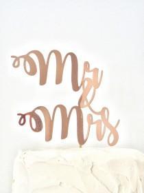 wedding photo - Mr & Mrs Wedding Cake Topper