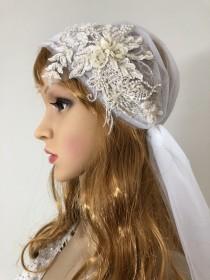wedding photo - Exquisite Juliet Cap Veil, boho veil, knee length wedding veil, Ivory veil
