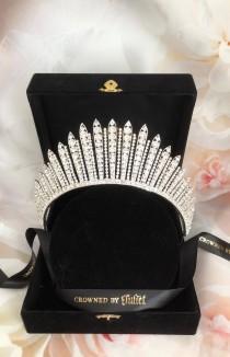 wedding photo - Queen Elizabeth Crown, FRINGE Tiara,  Brida Tiara, Royal Tiaras, Wedding crowns, Beatrice  The Crown, Reign, Princess Tiaras, Gifts for Her