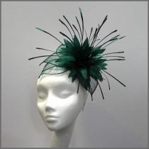wedding photo - Dramatic Emerald Green Fascinator Headpiece for Races Ladies Day Derby Wedding