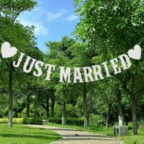 wedding photo - Just Married Wedding Bunting - Mr and Mrs Party White Heart Decoration Banner