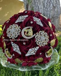 wedding photo - Burgundy Quinceañera Bouquet, Charra Quinceañera, Burgundy Quince Bouquet, Horseshoe Brooch, Quince Bouquet, Ramo Charro,