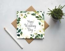 wedding photo - Happy Wedding Day Card - Floral Wreath - Mr and Mrs Congratulations - Wedding Card UK (GC157A)