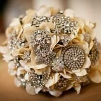 wedding photo - Ramo de la boda del vintage ♥ Hecho a mano de encargo Broche Vintage Wedding Bouquet