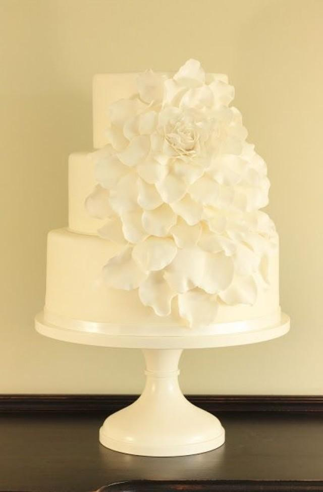 wedding cake with rose petals wedding cakebox petal wedding cake 2062541 26958