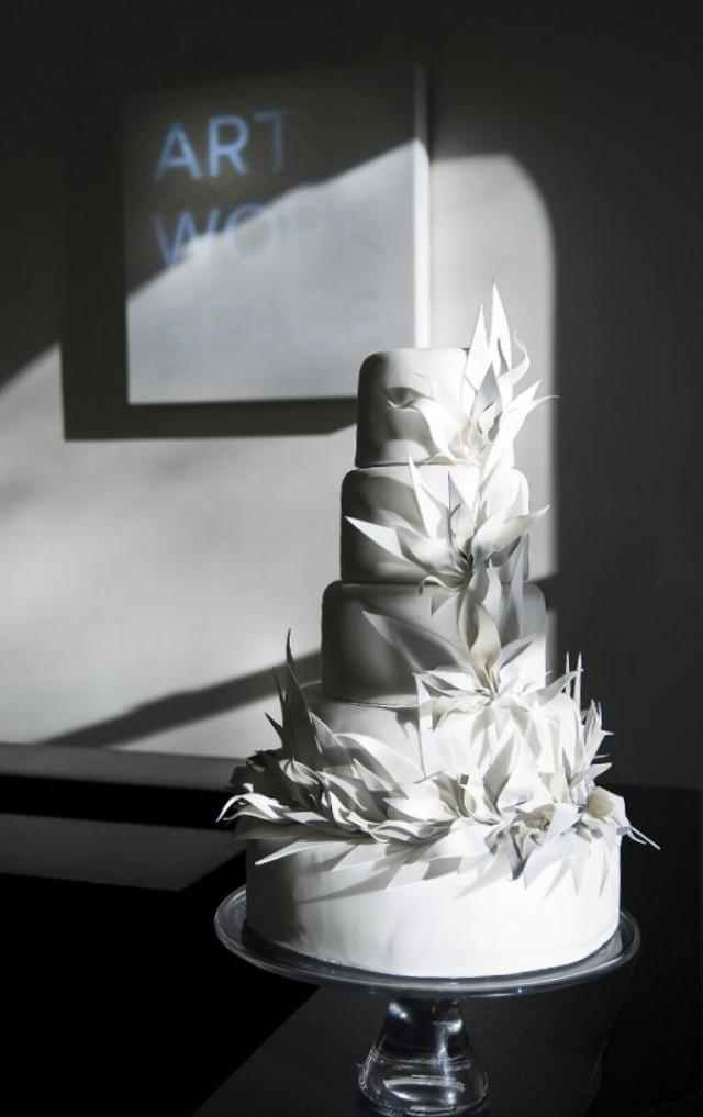 contemporary wedding cakes modern wedding cakes white and sculptural 2184036 weddbook 12917
