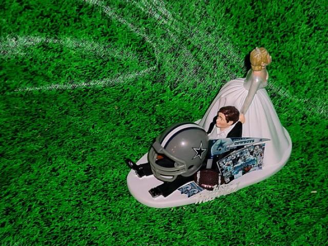 nfl wedding cake toppers dallas cowboys football nfl sports dragging groom 17840