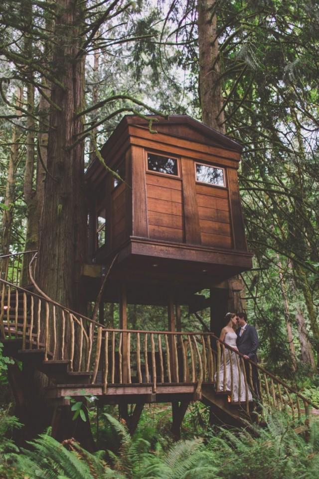 Treehouse Forest Wedding In Washington Whimsical Wonderland Weddings Weddbook