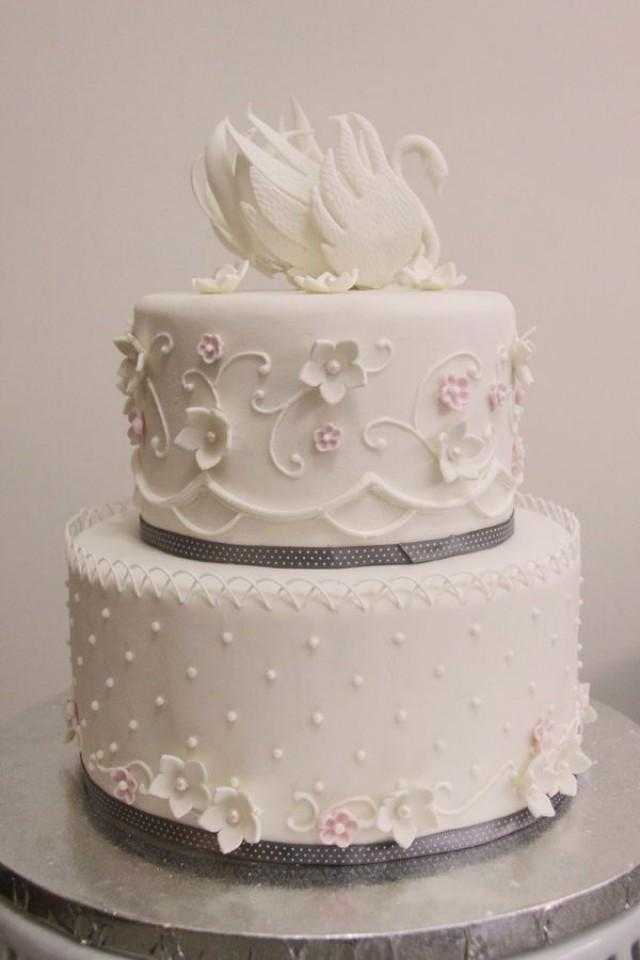 round wedding cakes pictures cake swan wedding cake wedding cakes 2467345 19330