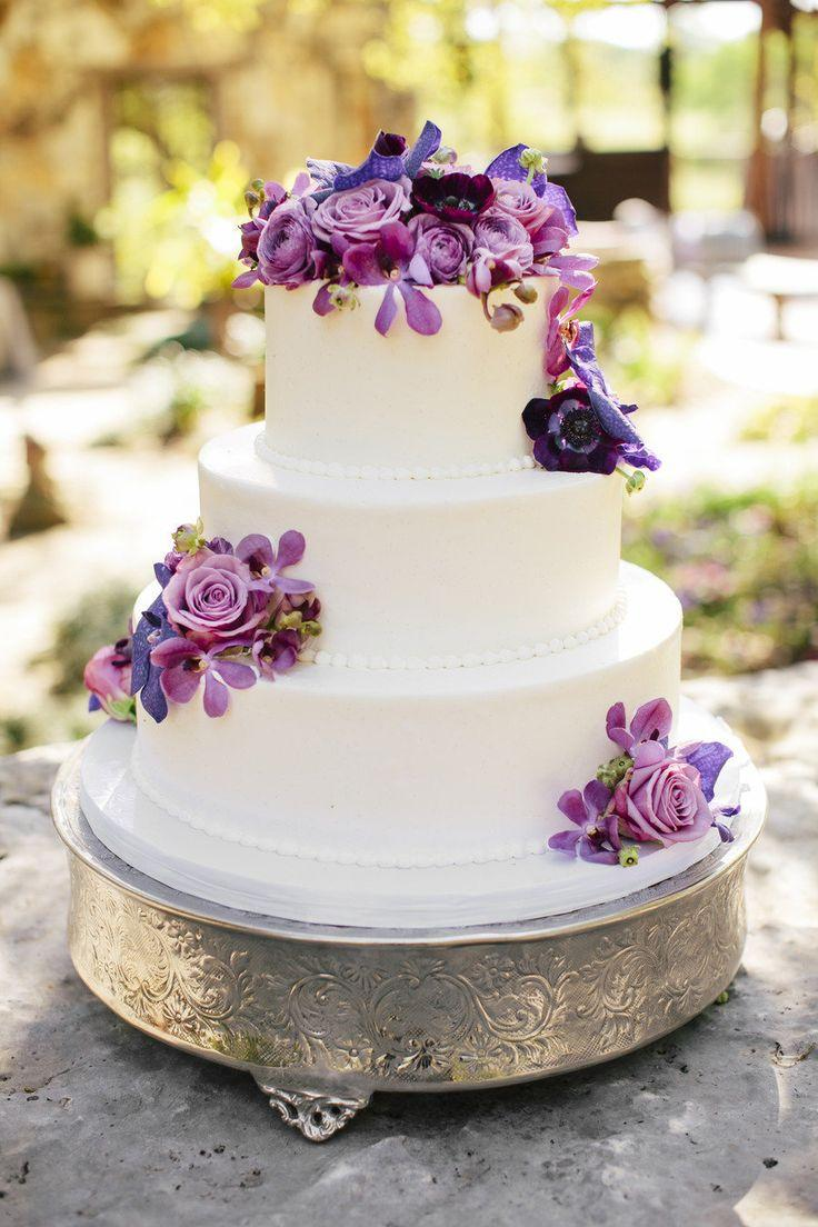 bakeries for wedding cakes wedding cakes wedding cake 2021934 weddbook 11022