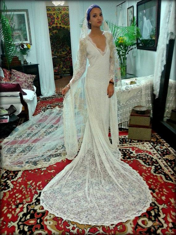 Embroidered French Lace Wedding Dress Bridal Gown With Train Bohemian Gypsy