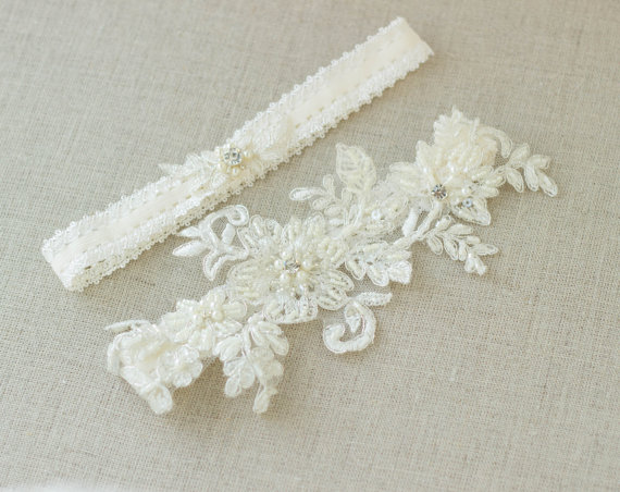 Wedding Garter Belt Ivory Bridal Lace Set Accessories Vintage Keepsake Toss