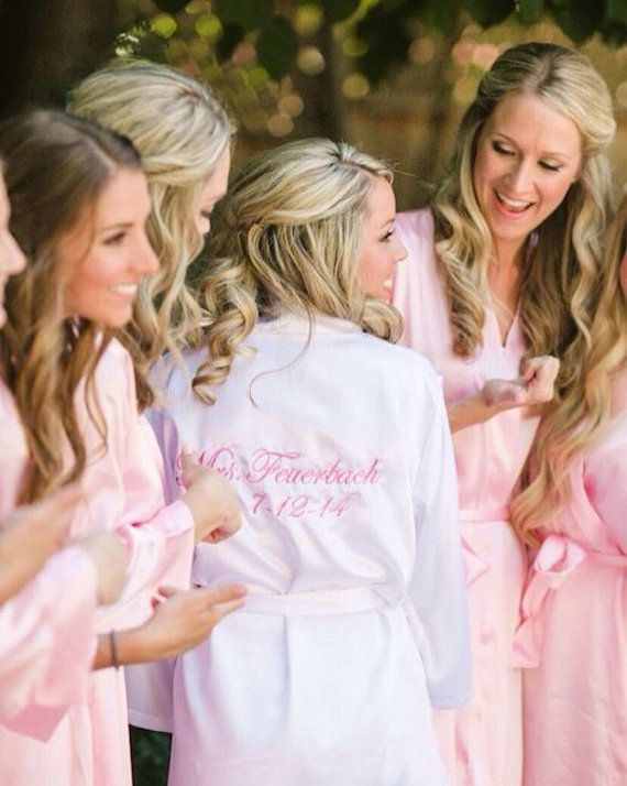 Bridesmaid Robes Set Of 8 Bridesmaids Bridal Satin In Red Monogrammed Silk Personalized Gifts