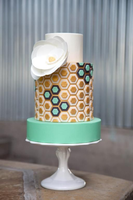 Make Modern Cakes In Craftsy S Class Simply Cake Design