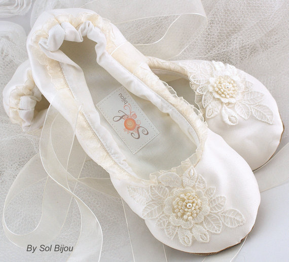 Ballet Flats Bridal Wedding Shoes Ballerina Slippers Lace Up Flower First Communion Ivory Satin Pearls