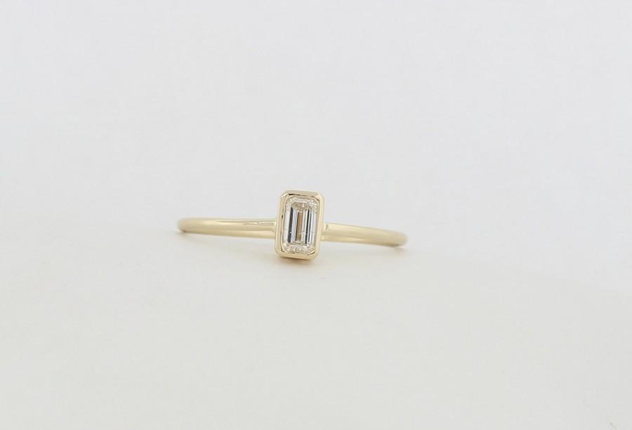 Apx 0 28 Carat Emerald Cut Diamond Engagement Ring With Bezel Set