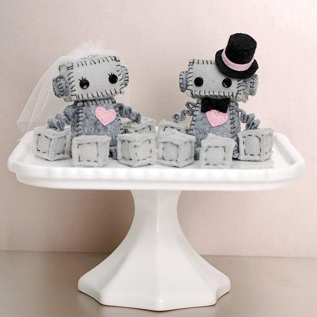mini wedding cake toppers mini robot cake toppers for a wedding or a robot 17436