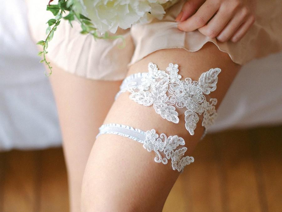 Bridal Lace Wedding Garter Set Y Belt Style 516