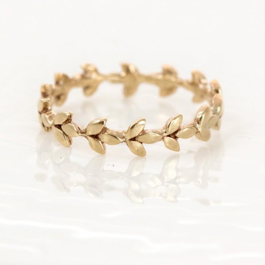 vine wedding band in 14k gold // 14k gold vine wedding ring