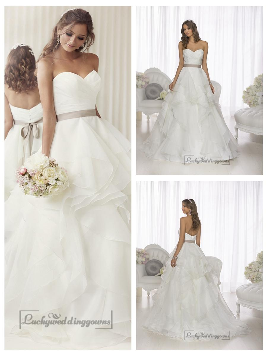 Elegant Sweetheart A Line Ruched Wedding Dresses With Layered Skirt