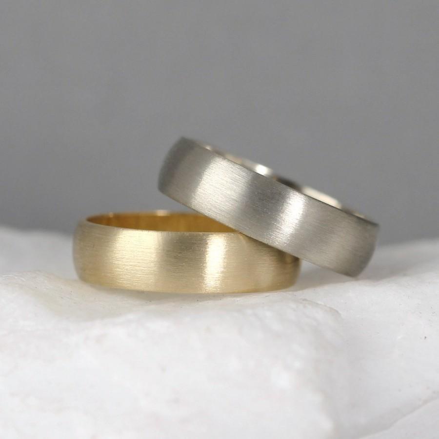 Favorite 5mm 14K Gold Wedding Band – Men's Or Ladies Wedding Rings – Matte  MG85