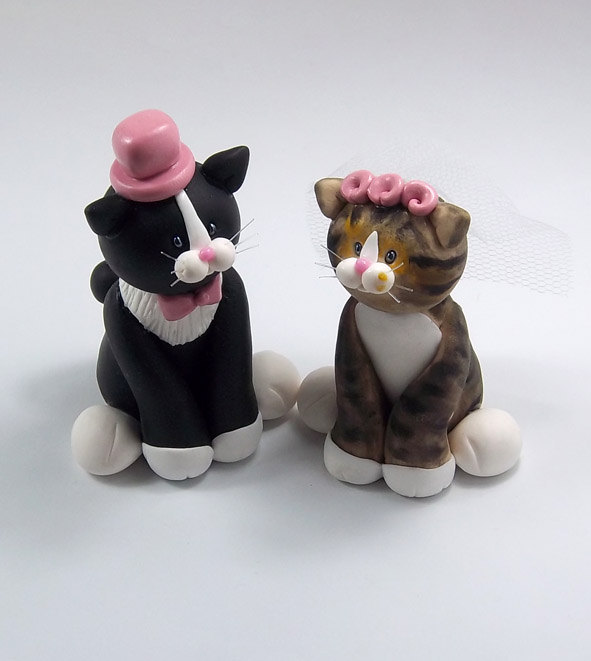 black cat wedding cake toppers tuxedo cat and tabby cat custom wedding cake topper 11859