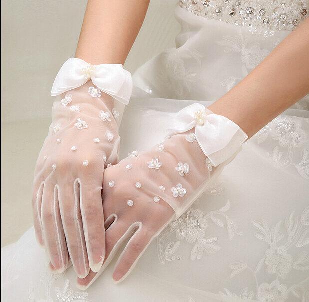 Handmade Lace Flower Bridal Gloves White Wedding Elegant Short