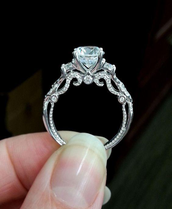 15 Unique Wedding Rings Weddingwoow Com