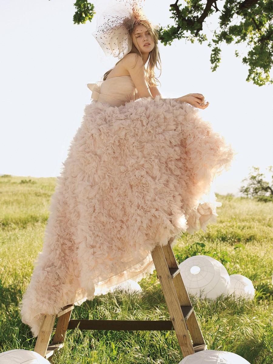 Tüll Strapless Hochzeitskleid Mit Vollen Floral Gekräuselten Rock