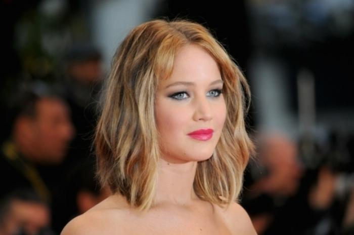 Blonde frisuren mittellang
