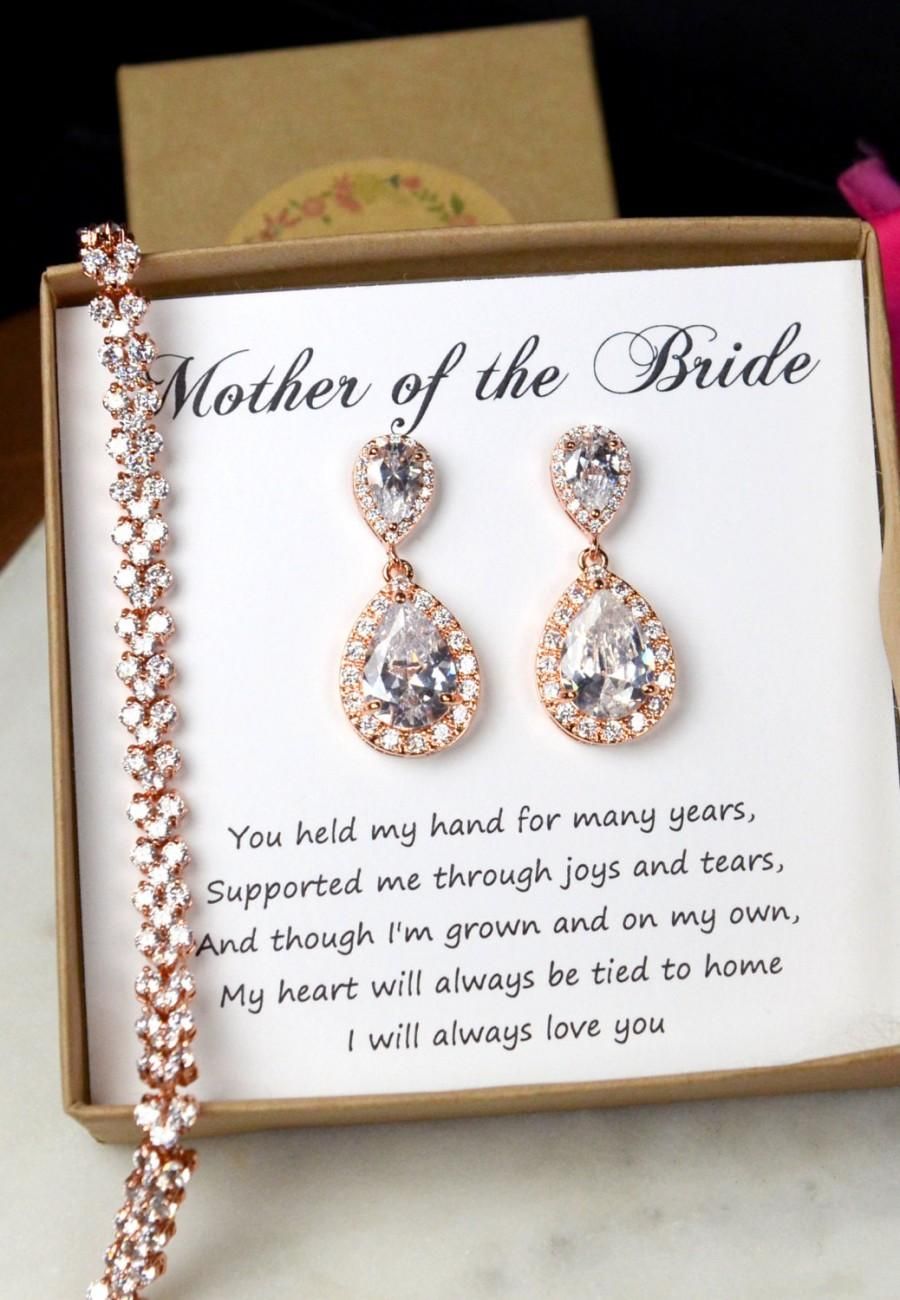 Wedding Bracelet Mother Of The Bride Gift Personalized Bridesmaids Gift Mother Of The Groom Gifts Bridal Party Gift Bridal Party Jewelry 2617091 Weddbook