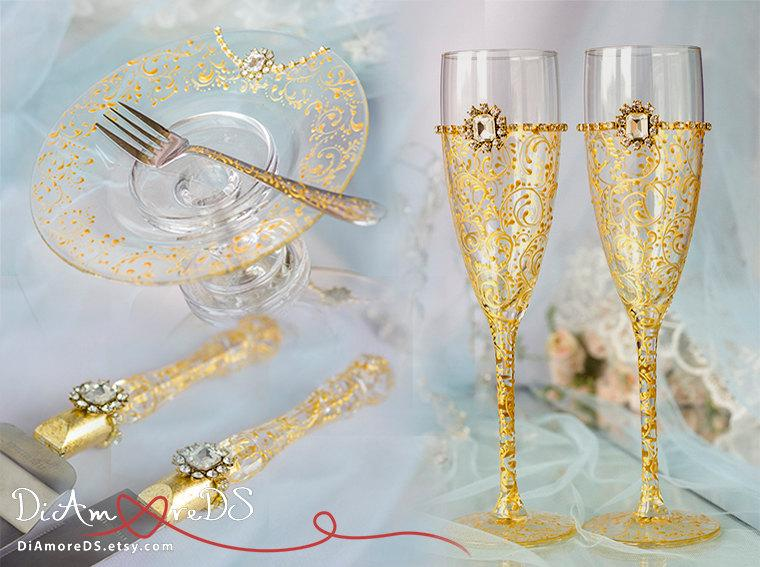 wedding cake plate and forks gold deco wedding сhampagne flutes forks amp plate 23498