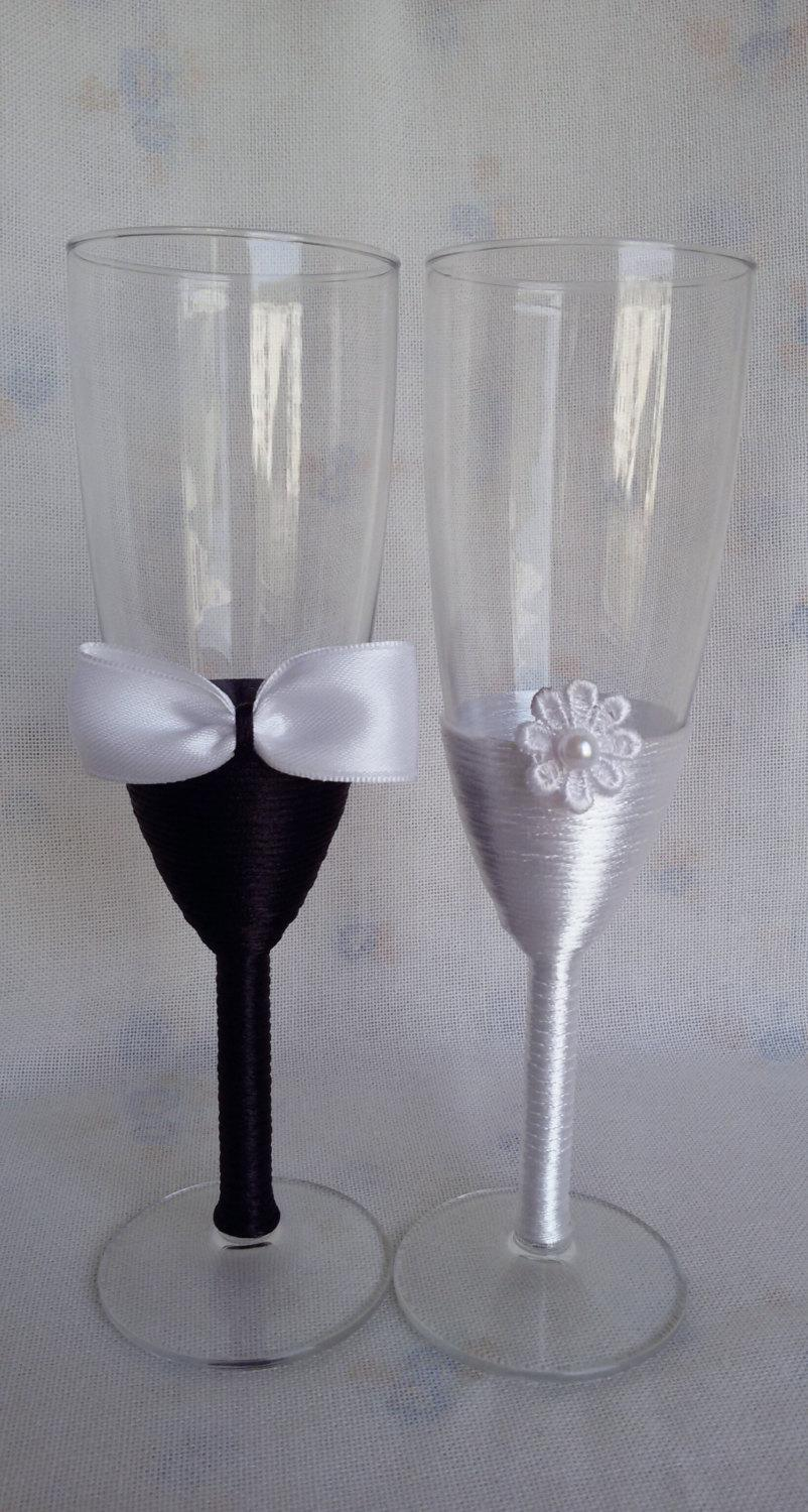 Elegant Wedding Champagne Gles White And Black Flutes Bride Groom Toasting