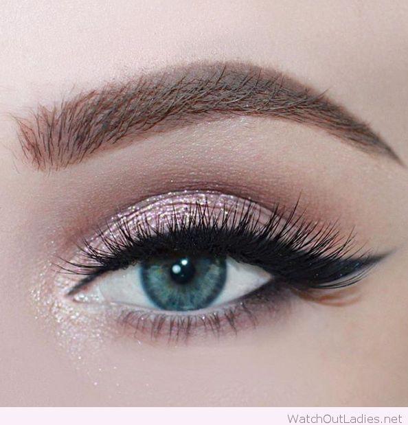 Rose Glitter For Blue Eyes
