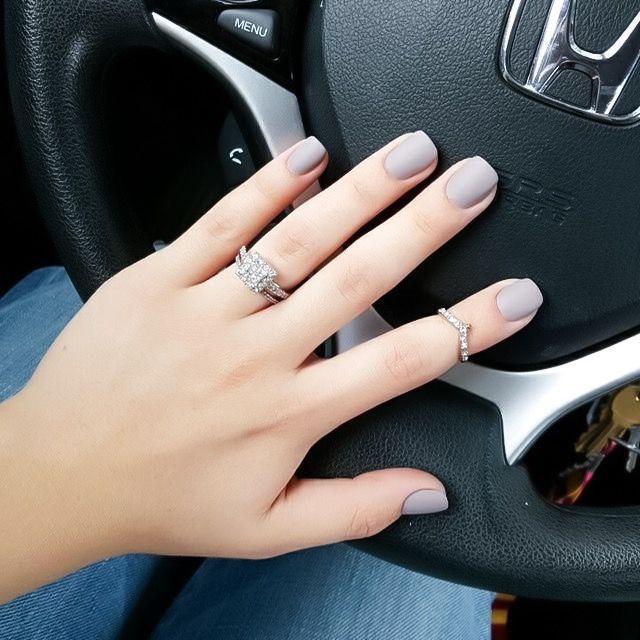 Clouer - Matte Gray Nails #2786102 - Weddbook